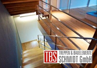 Das Edelstahlgelaender der Faltwerktreppe Freiburg der Firma TBS Schmidt GmbH