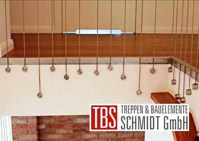 Das Drahtseilgelaender der Faltwerktreppe Leipzig der Firma TBS Schmidt GmbH