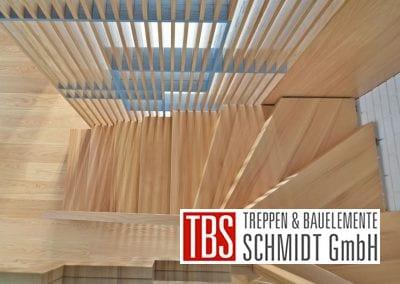 Halbgewendelte Faltwerktreppe Saarbruecken der Firma TBS Schmidt GmbH