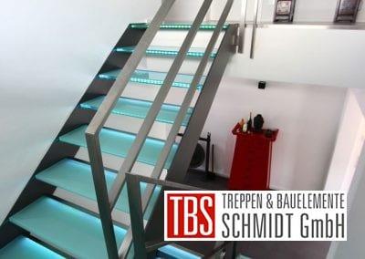 Das Edelstahlgelaender der Glastreppe Dresden der Firma TBS Schmidt GmbH