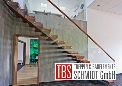 Die Seitenansicht der Kragarmtreppe Baden Wuerttemberg der Firma TBS Schmidt GmbH