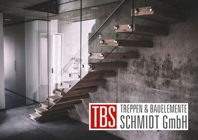 Das Glasgelaender-Kragarmtreppe Kirkel der Firma TBS Schmidt GmbH