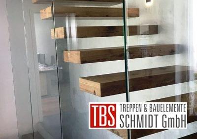 Die Glaswand der Kragarmtreppe Gersheim der Firma TBS Schmidt GmbH