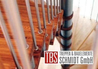 Die Edelstahlstaebe der Spindeltreppe Trier der Firma TBS Schmidt GmbH