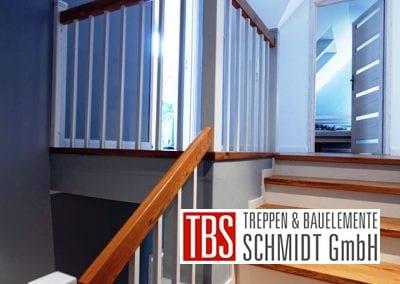 Bruestungsgelaender Color-Wangentreppe Bad Reichenhall der Firma TBS Schmidt GmbH