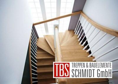halbgewendelte Color-Wangentreppe Weil der Firma TBS Schmidt GmbH