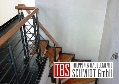 Treppengelaender der Zweiholmtreppe Erftstadt der Firma TBS Schmidt GmbH