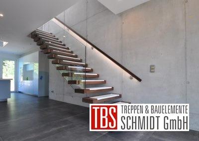 Montagebild der Kragarmtreppe Malsch der Firma TBS Schmidt GmbH