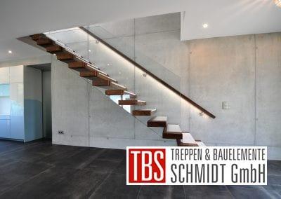 Seitenansicht der Kragarmtreppe Malsch der Firma TBS Schmidt GmbH
