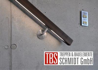 Der Handlauf der Kragarmtreppe Malsch der Firma TBS Schmidt GmbH