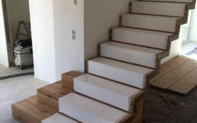 Treppenmontage Kragarm- und Faltwerktreppen