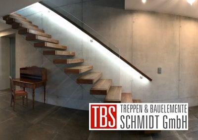Die Handlaufbeleuchtung der Kragarmtreppe Malsch der Firma TBS Schmidt GmbH