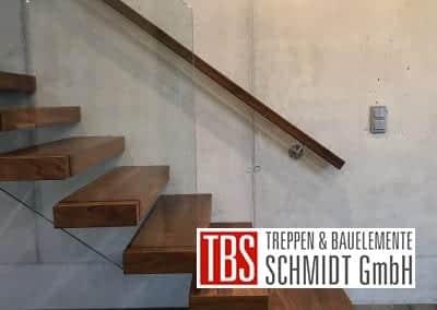 Das Glasgelaender der Kragarmtreppe Malsch der Firma TBS Schmidt GmbH