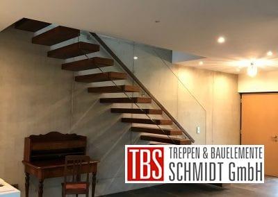 Die Rueckansicht der Kragarmtreppe Malsch der Firma TBS Schmidt GmbH