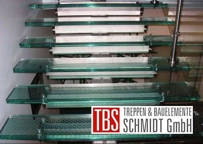 Die Treppenstufen der Glastreppe Augsburg der Firma TBS Schmidt GmbH