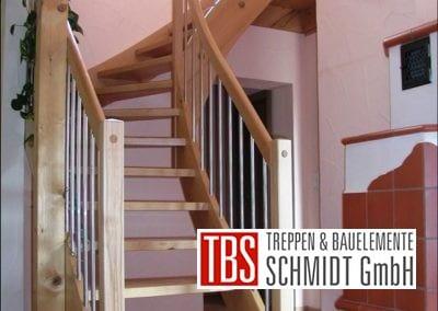 Viertelgewendelte Wangentreppe Iggelheim der Firma TBS Schmidt GmbH