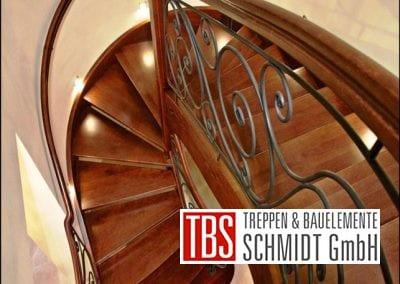 Halbgewendelte Wangentreppe Karlsruhe der Firma TBS Schmidt GmbH
