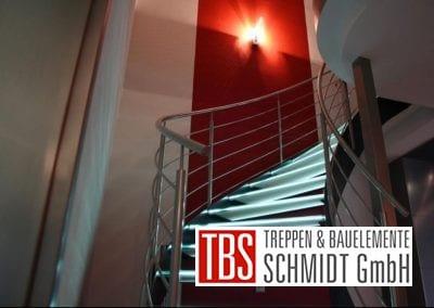 Das Treppengelaender der Glastreppe Leipzig der Firma TBS Schmidt GmbH