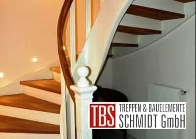 Treppenpfosten der Color-Wangentreppe Magdeburg der Firma TBS Schmidt GmbH