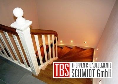 Dsas Treppengelaender der Color-Wangentreppe Magdeburg der Firma TBS Schmidt GmbH