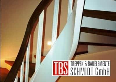 Geschwungene Color-Wangentreppe Magdeburg der Firma TBS Schmidt GmbH