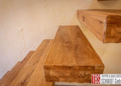 treppenstufen-kragarmtreppe-mandelbachtal