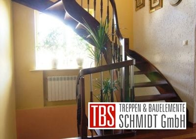 Halbgewendelte Wangentreppe Zweibruecken der Firma TBS Schmidt GmbH