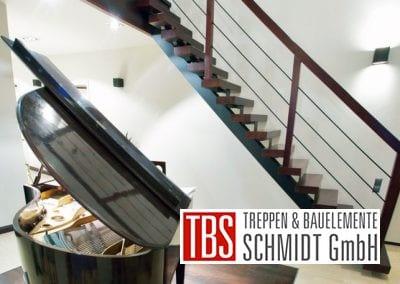 Seitenansicht der Mittelholmtreppe Bochum der Firma TBS Schmidt GmbH