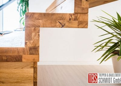 Seitenansicht Faltwerktreppe Hoechen der Firma TBS Schmidt GmbH