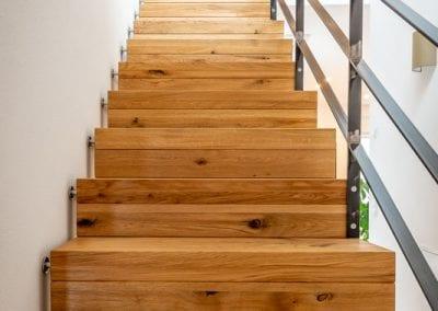 Ansicht auf die Stufen der Faltwerktreppe Hoechen der Firma TBS Schmidt GmbH