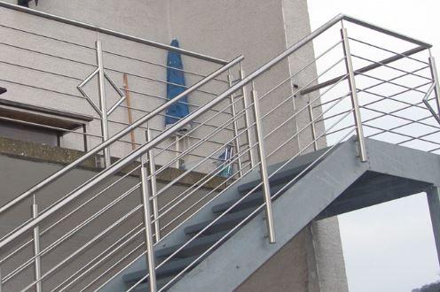 Außentreppe Gradlinig