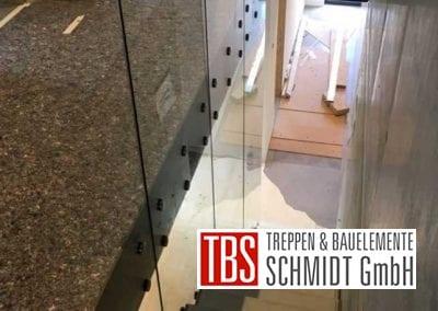 Montagebild Glaswand Kragarmtreppe Kirkel der Firma TBS Schmidt GmbH