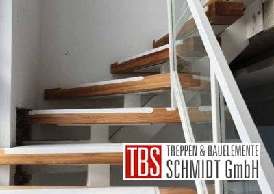 Montagebild Gelaender Mittelholmtreppe Geisenheim der Firma TBS Schmidt GmbH