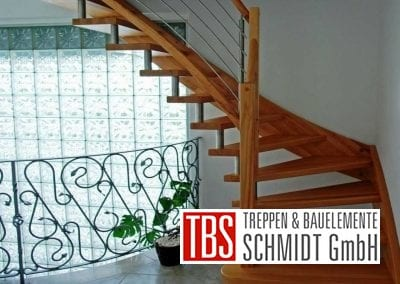Viertelgewendelte Wangen-Bolzentreppe Stollberg der Firma TBS Schmidt GmbH