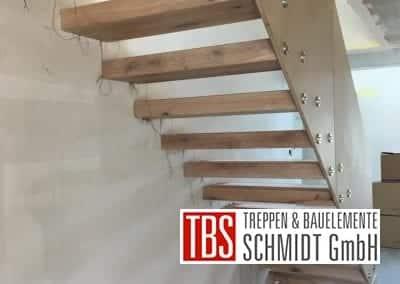 Rueckseite Kragarmtreppe Treppenmontage der Firma TBS Schmidt GmbH