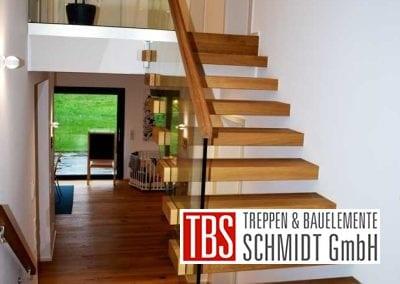 Glasgelaender Faltwerk- mit Kragarmtreppe Lebach der Firma TBS Schmidt GmbH