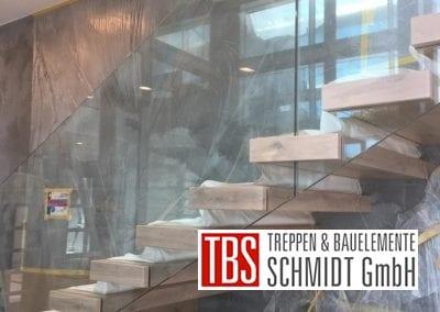 Kragarmtreppe Treppenmontage der Firma TBS Schmidt GmbH