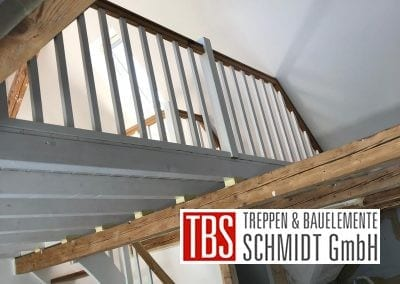 Bruestungsgelaender Colortreppe Treppenmontage der Firma TBS Schmidt GmbH
