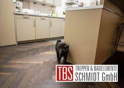 Bodenbelag Faltwerktreppe Frankfurt Westend der Firma TBS Schmidt GmbH