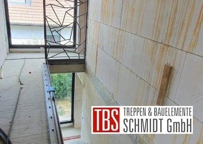 Design-Stahlwand Montagebild Stahlblechfaltwerktreppe TBS Schmidt GmbH